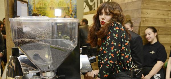 Мария Силвестър разкри тайните на ароматно кафе еспресо на Gloria Jean's Coffees
