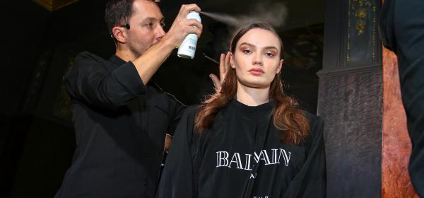 Balmain събра Галена и Поли Генова на едно място и показа висша мода за коса