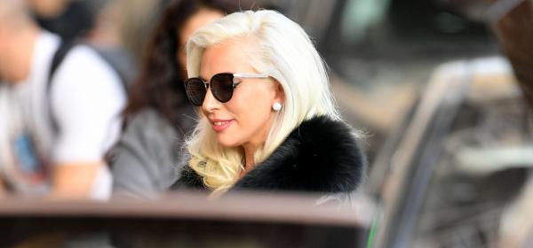 Лейди Гага е бременна!