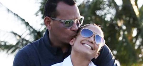 Обичта на известните: И той, и тя по шорти Дж.+ А.