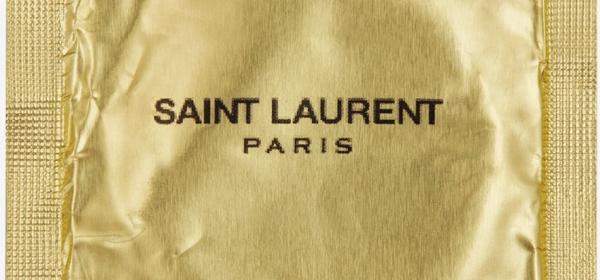 Петъчна доза секс: Saint Laurent и bad-and-boujee презеравтивите