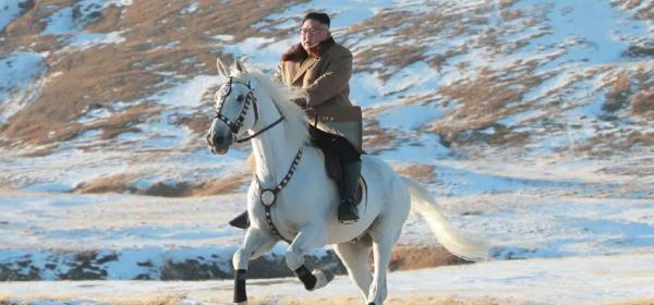 А междувременно, Ким Чен Ун е на кон