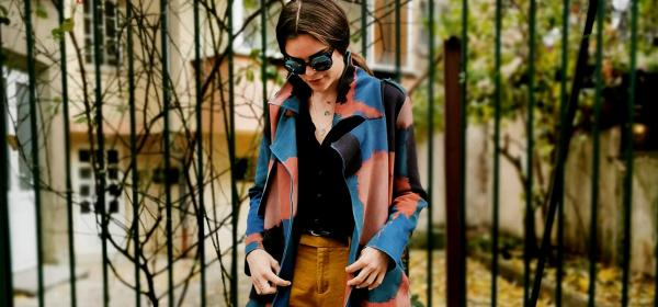 Sofia Street Style: момичето с акварелното палто