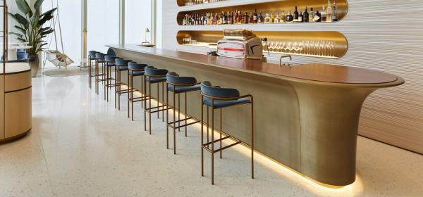 Дизайн за вдъхновение: едно кафе Louis Vuitton, моля