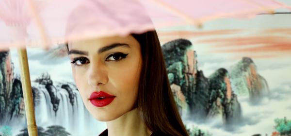 Fashion location: Маутай - нещо като нож, нещо като цвете, нещо като нищо друго на света