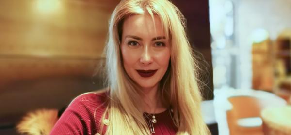 Говори ми за ЛЮБОВ, Антония Петрова-Батинкова