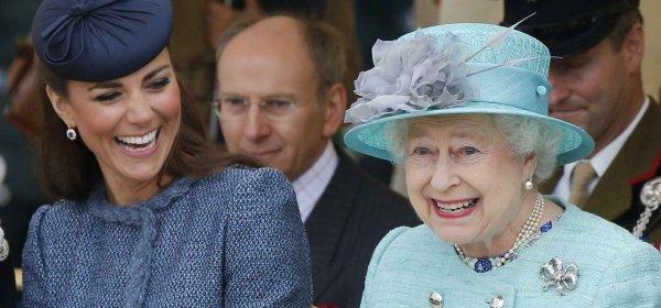 Експерти: Кейт е копие на Кралицата, не на свекърва си Даяна