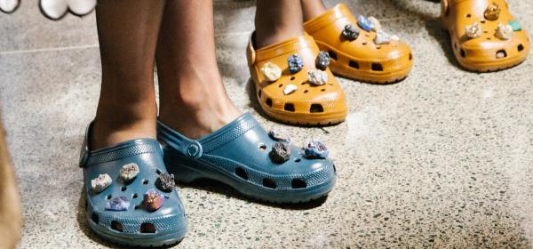 Crocs превземат модния свят