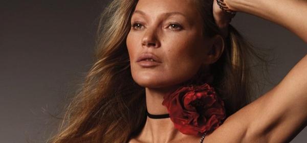 Кейт Мос отново корица на Vogue, 28 години след дебюта