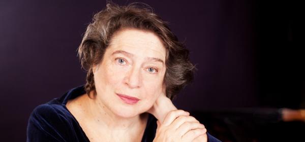 Грандамата на пианото Елизабет Леонская гостува на Софийската филхармония