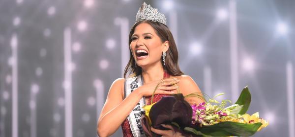 Аржентина, Непал и Полша са ни фаворитки, вижте всички вечерни рокли на Мис Вселена 2021