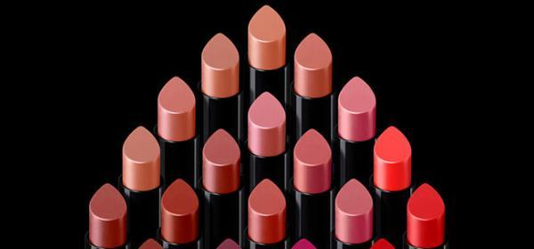 Заявка за женственост, новите червила Giorgio Armani