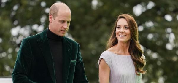 Неговият ли костюм, нейната ли рокля? Много хармонични Уилям и Катрин в Лондон