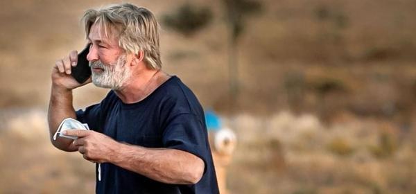 Трагедия: Алек Болдуин неволно уби човек по време на снимки