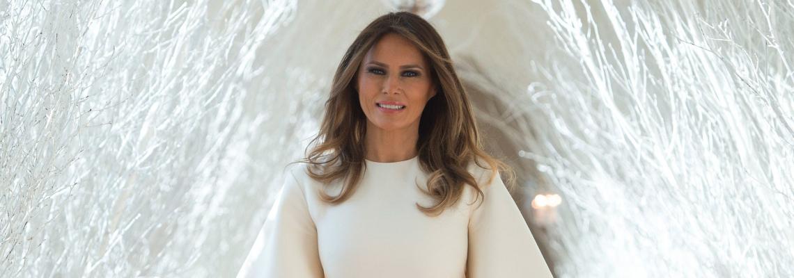 Снежанката на Тръмп: Мелания показа пищната украса в Белия дом