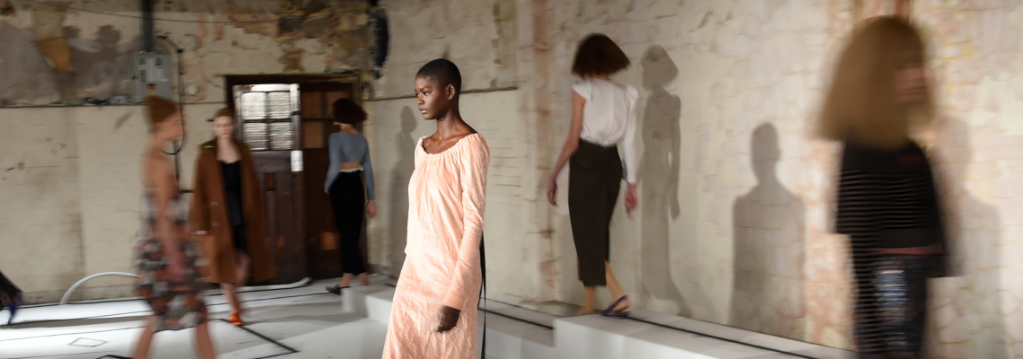 Кой кой е в модата днес: Isa Arfen by Serafina Sama