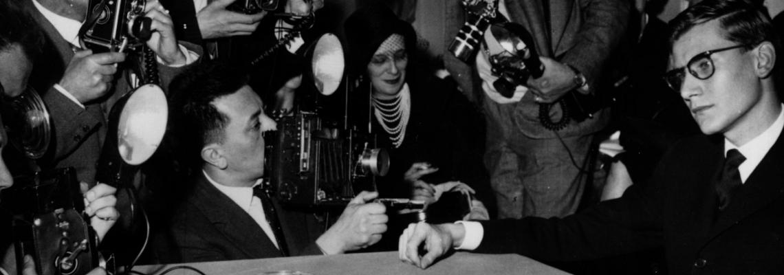 10 years later: Ив Сен Лоран в 17 винтидж кадъра