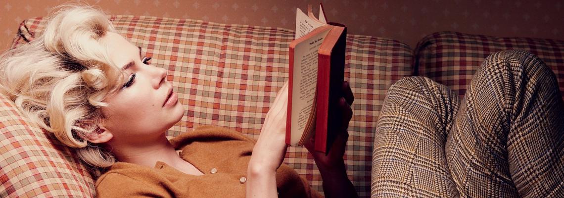 Book Worms: Какво четат любимите ни звезди?