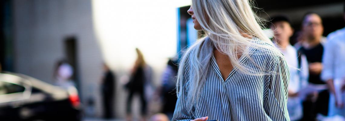 Тази жена: С.Х. и сребърните й дълги Vogue коси