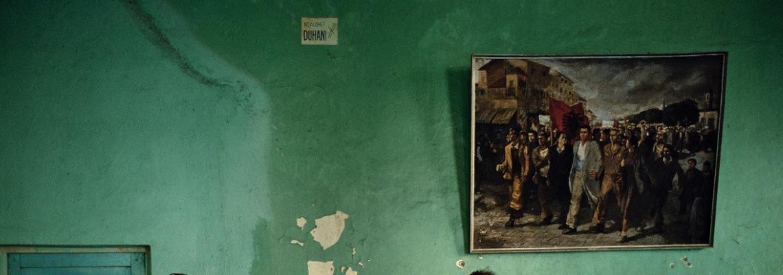 АЛБАНИЯ НА ПРАГА НА ПРОМЯНАТА- фотографска изложба на ДЖОН ДЕМОС