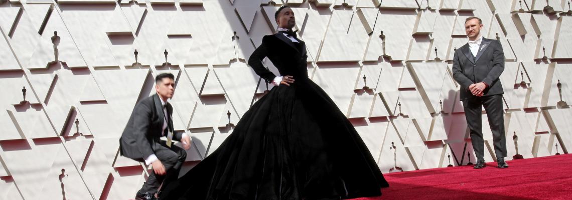 Кой е Били Портър и защо облече вечерна рокля, не смокинг, на Оскарите?