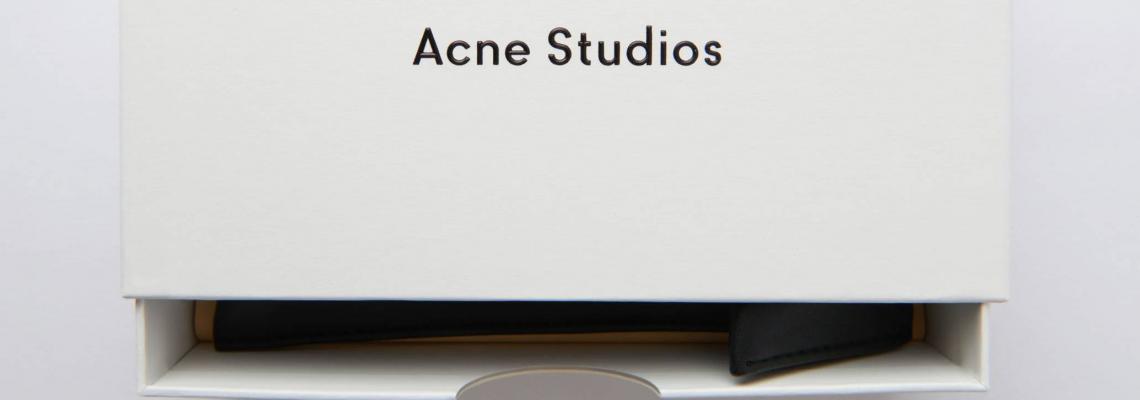 Acne Studios пуснаха богата колекция от ретро-деним