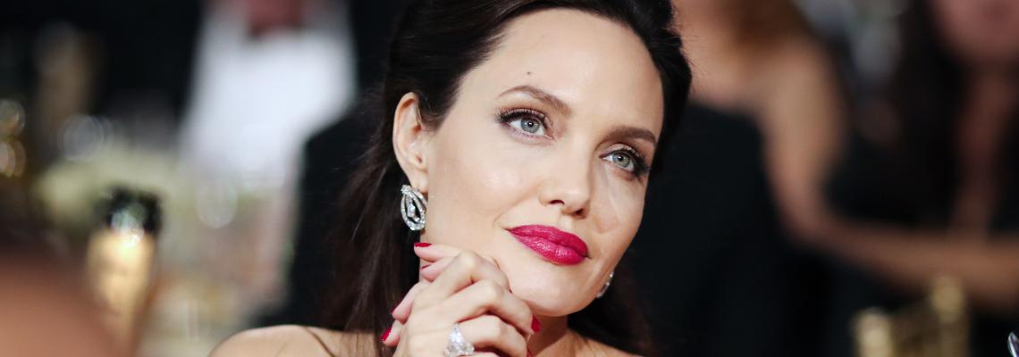 ЧРД, Анджелина: Точно 44 ретро кадъра на Джоли