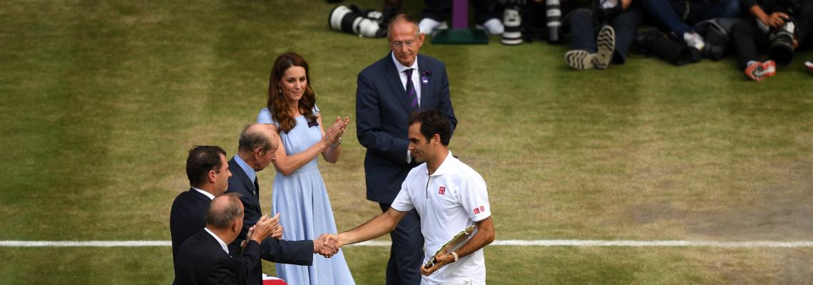 Джокович взе победа над класическата игра на Федерер в епичен финален мач