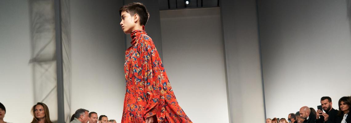 Строгият минимализъм среща кутюр-кича в колекцията на Givenchy