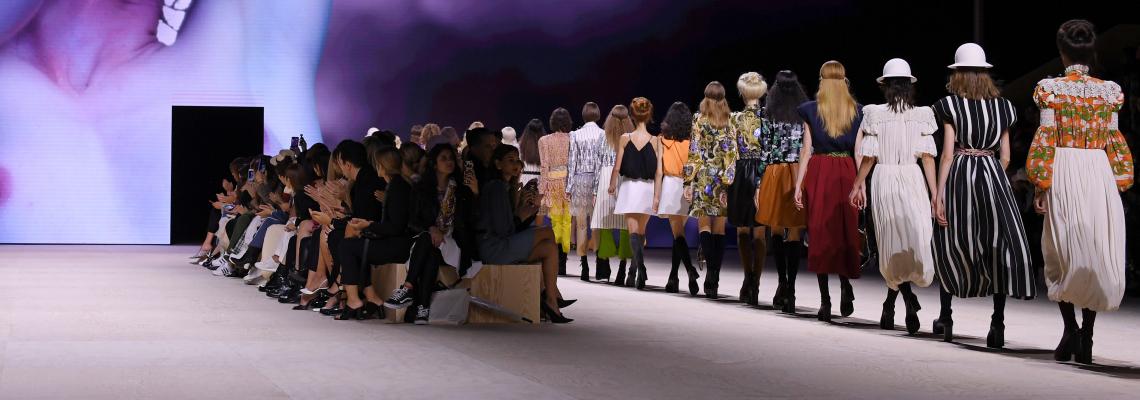 Louis Vuitton се обяснява в любов на Париж