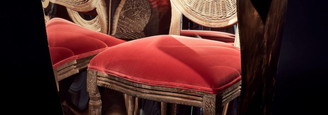 Столът за 40 хиляди лева, дело на индустриалния дизайнер Рон Арад и мебелния бранд OKA. Да или Не?