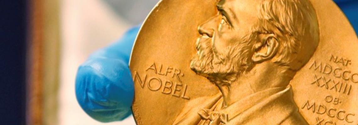 Защо Академията присъжда две Нобелови награди за литература тази година?