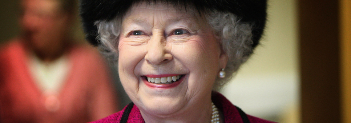 И Елизабет в кюпа - кралицата се отказа от кожите