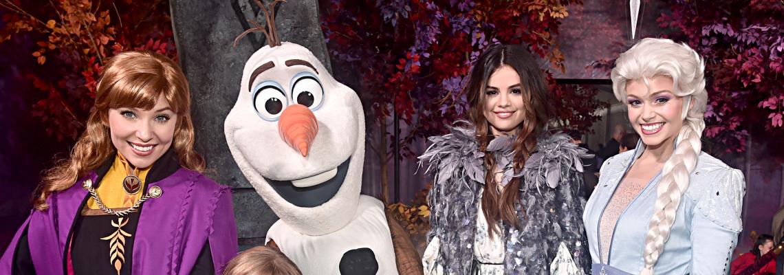 Селена Гомес и сестричката й като сърничка - еднакви на Frozen 2