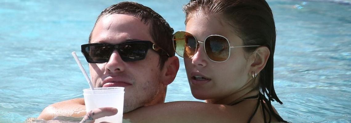 Ваканцията на известните: Кая Гербер и Пит Дейвидсън, млади & много влюбени в Маями
