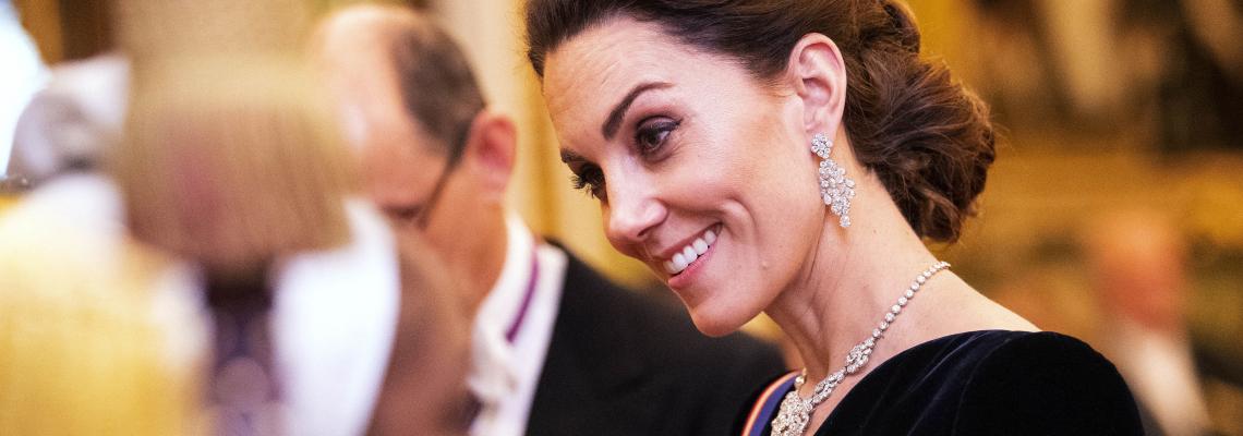 Кейт Мидълтън: черното и многото диаманти й отиват
