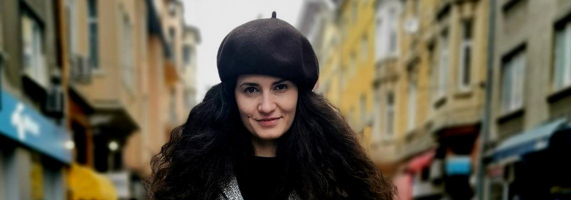 Sofia Street Style: Елвира, която оцеля на -7