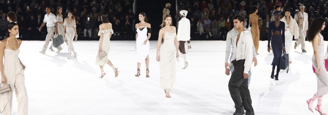 Раф Симънс оглавява Miu Miu, а Симон Порт Jean-Paul Gaultier? Разкодираме най-упоритите модни слухове