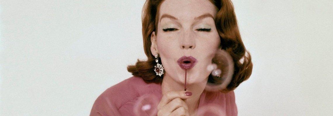 Розово да е: прекрасният цвят на оптимизма в култови снимки на Vogue