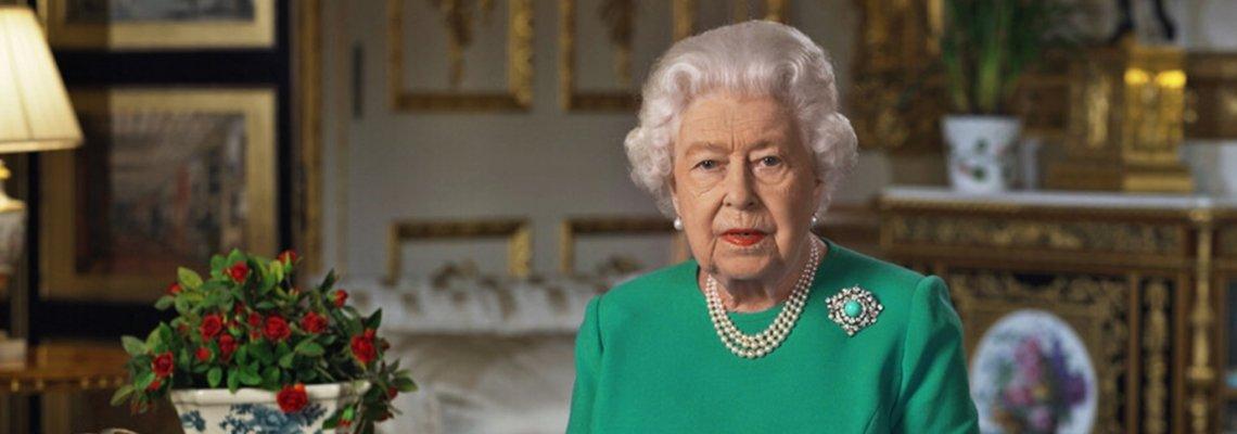 Защо Кралицата избра зелена рокля за обръщението си към нацията