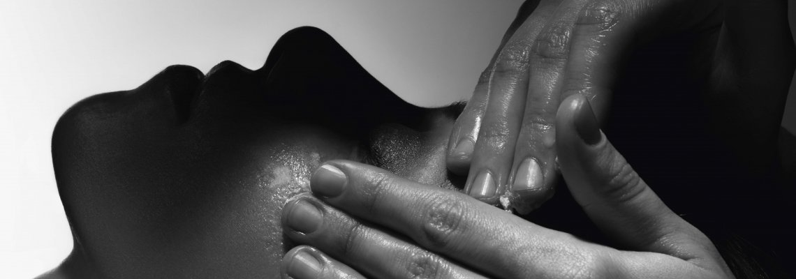 Съвършената кожа на 20, 30, 40 и нататък - подробно с експерта д-р Манолова