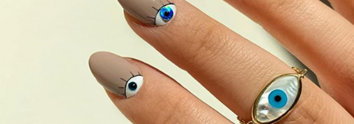 Синьо око против уроки върху ноктите? Може, даже е желателно