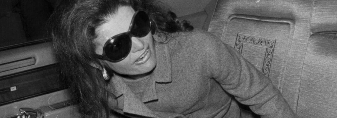 Удивителният живот на Жаклин Кенеди Онасис в 92 кадъра