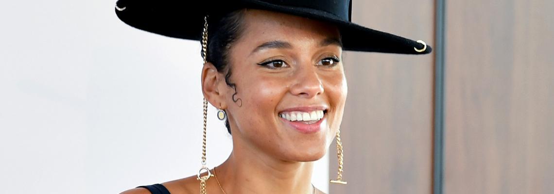 Какво ново: Алиша Кийс стартира марка за лайфстайл красота с E.L.F.