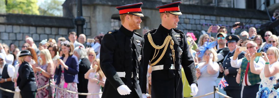 От 5 до 330 хиляди: Скъпите дрехи на кралското семейство