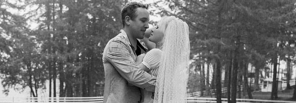 Шестата сватба на Памела Андерсън - СНИМКИТЕ