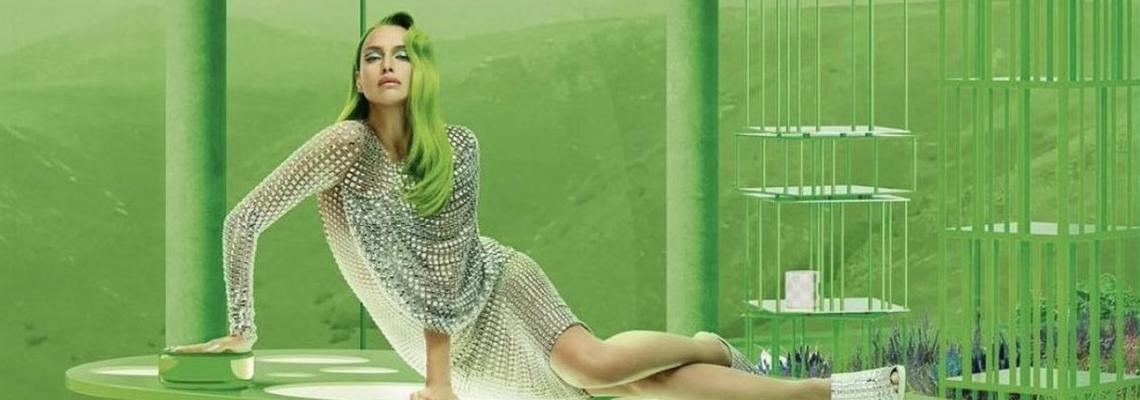 Прекалено зеленото не е прекалено зелено, щом става дума за Ирина Шейк, звездата на Vogue Русия