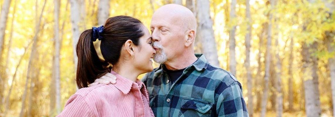 Обичта на известните: Брус Уилис и Ема Хеминг, честити 12 години брак!