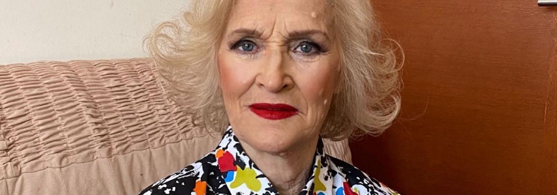 Фантастична: 86-годишната госпожа, трансформирана от баба в кралица от собствения си внук