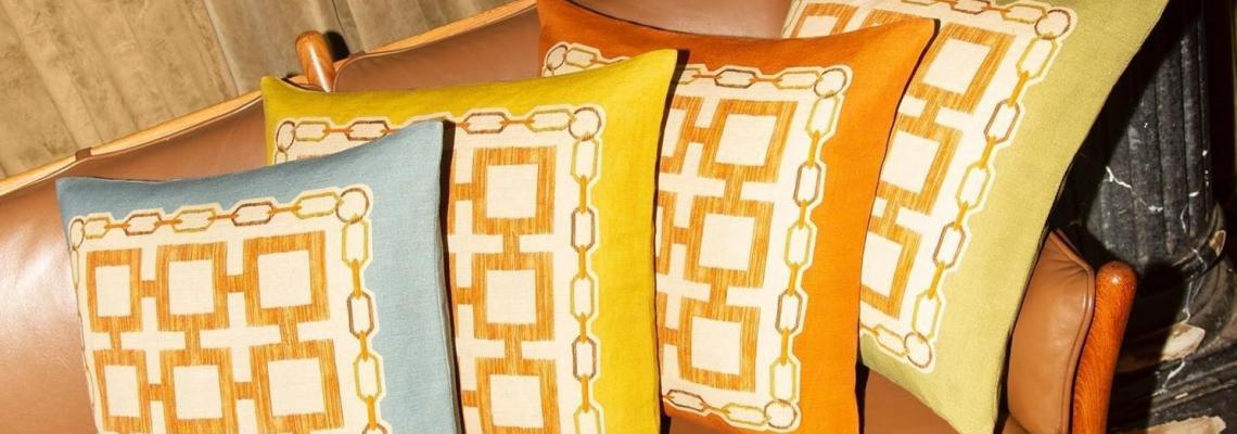Бивш дизайнер от Gucci прави божествени възглавници и покривки